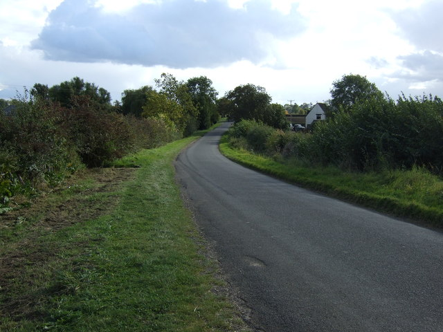 Lane heading south towards Uffington