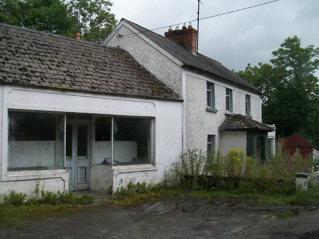 House and disused store at Cullies Cross Roads