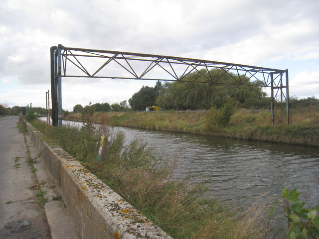 Pipe bridge over the Fossdyke at Saxilby