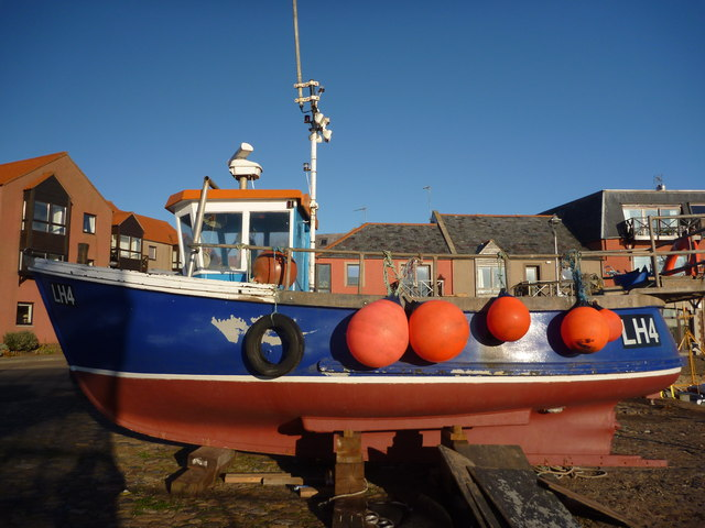 Leith Registered Fishing Boats : Wendy Sue (LH4) At The Old Harbour , Dunbar
