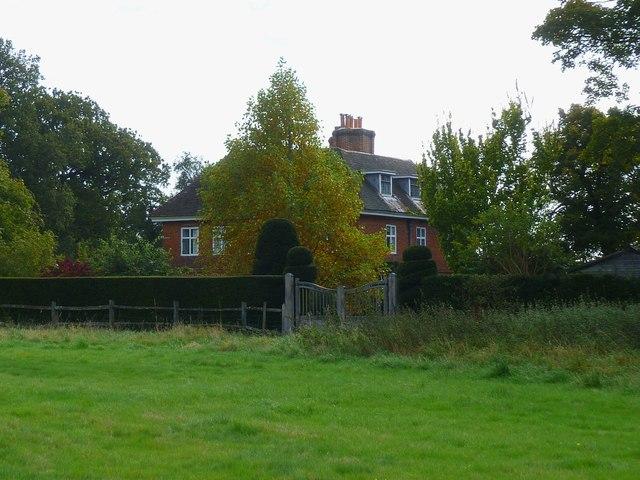 The Rangers House In Farnham Park