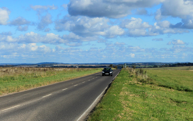 2012 : B390 Looking east toward Shrewton