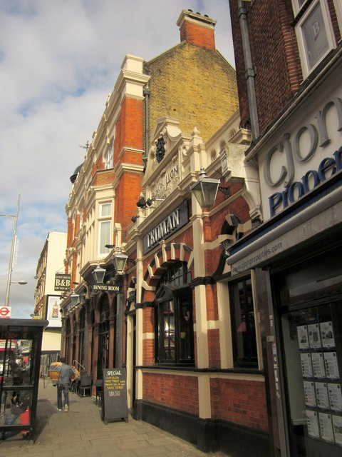 Black Lion, Kilburn High Road