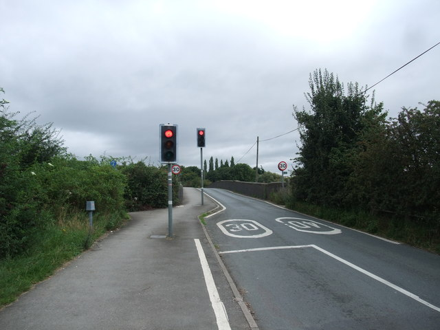 Cycle Route 6 crossing the Derwent on the B5010