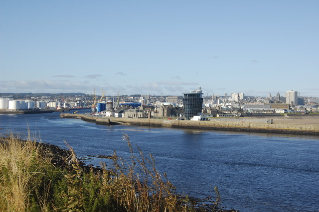 Entrance to Aberdeen Harbour