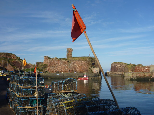 Coastal East Lothian : Red Flag at Victoria Harbour, Dunbar