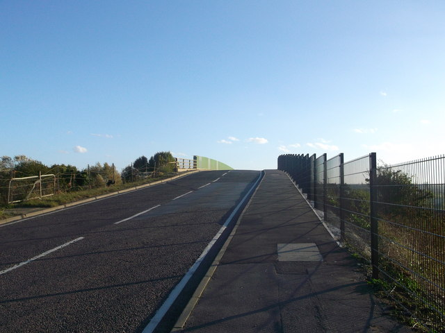 Fort Road towards Tilbury Fort