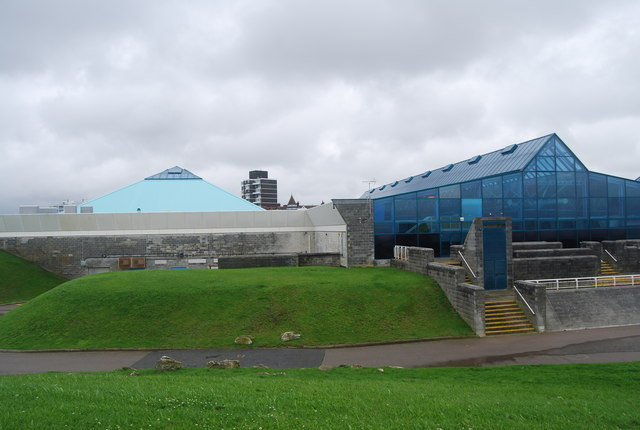 Pyramid leisure centre n chadwick cc by sa 2 0 geograph britain and ireland for Pyramid swimming pool portsmouth