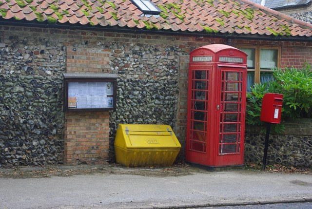Croxton telephone box