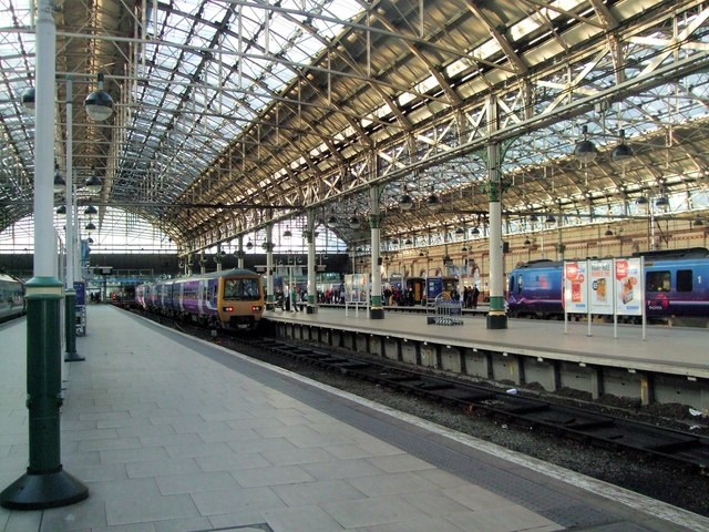 Manchester Piccadilly Station 169 Paul Gillett Geograph