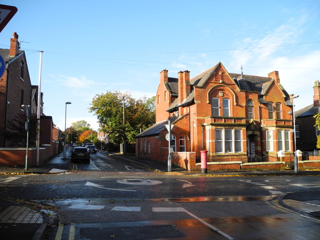 Mini - Roundabout, Great Norbury Street - Hyde (2)