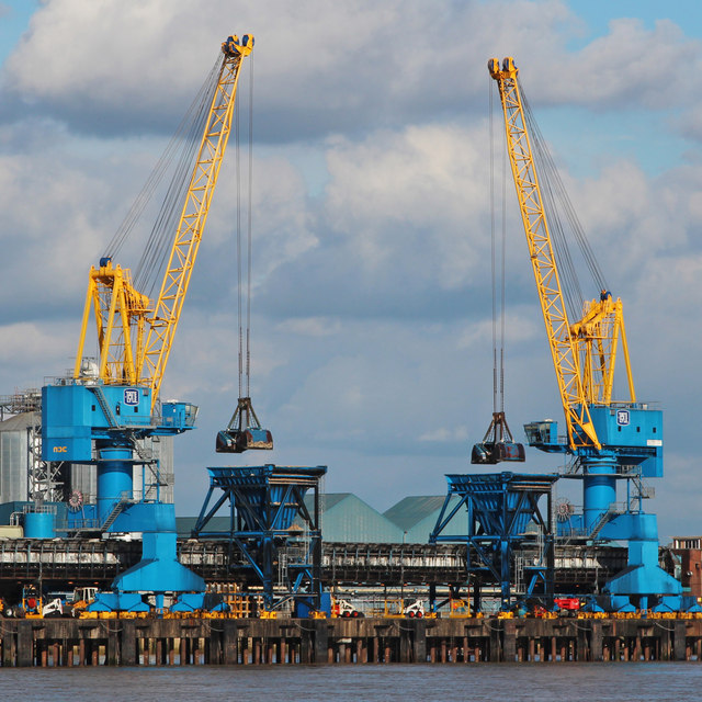 Tate and Lyle cranes