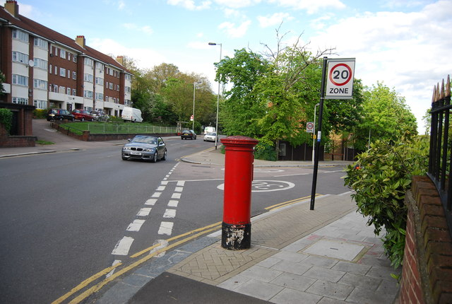 Postbox, corner of Hengrave Rd