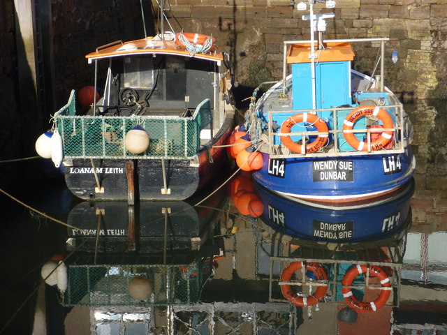 Coastal East Lothian : Loana M and Wendy Sue at Cromwell Harbour, Dunbar