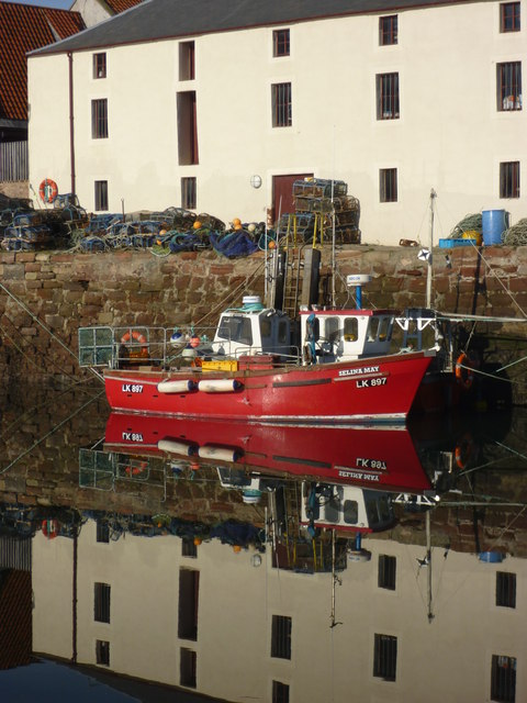 Coastal East Lothian : Selina May (LK897) at Cromwell Harbour, Dunbar