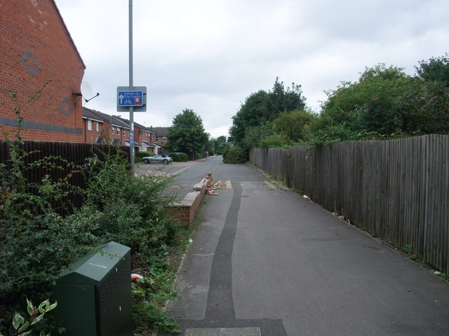 Cycle Route 6 entering Murden Way,
