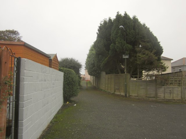 Alley, Westhill Avenue Close