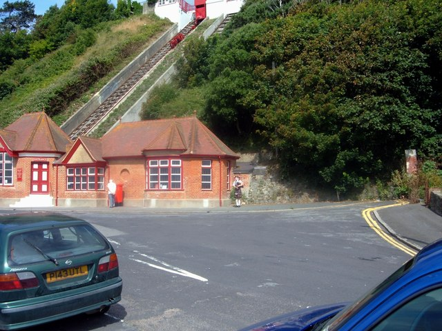 Folkestone - Leas Lift Reopening