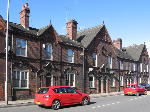 Fenton - houses on Victoria Road