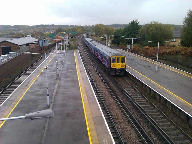 Eastbound train passing through St. Mary Cray station