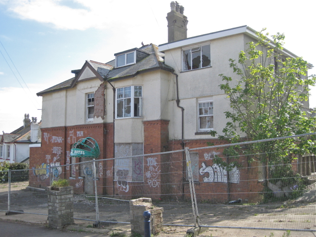 Former Knoll Hotel, Winterbourne Road