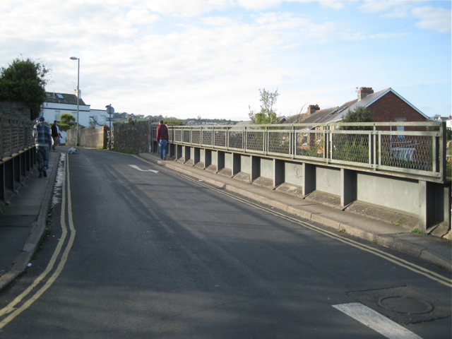 Shute Hill bridge over the railway