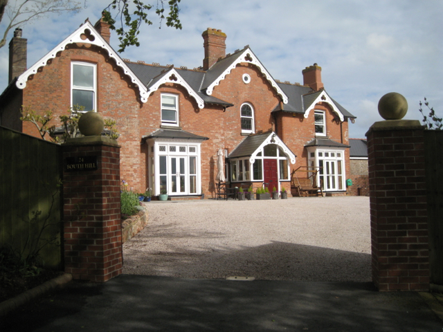 Kings Manor, Fluder Hill