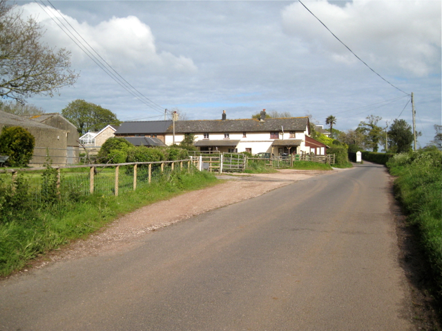 Rosehill Farm entrance and cottages, Fluder Hill