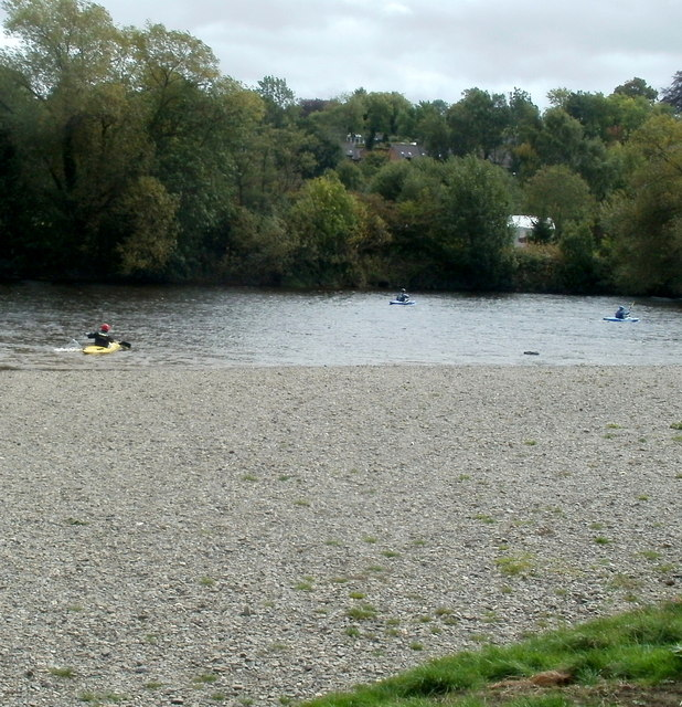 Kayaking on the Wye, Glasbury