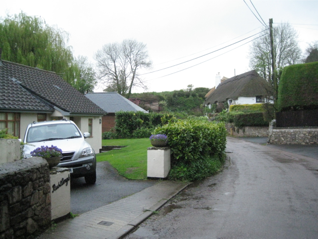 Bungalows and thatched houses, Coffinswell