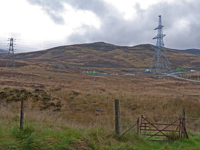 Electricity transmission lines south of Loch Kinardochy