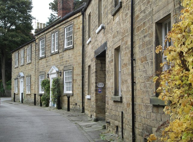 Bakewell - houses on Butts View