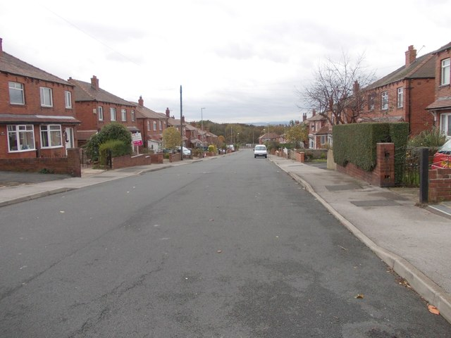 Thirlmere Drive - looking towards Westerton Road