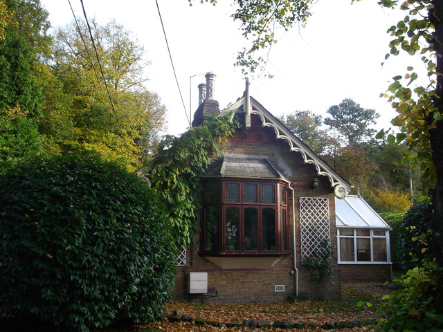Woodland Lodge, Rowhill Road