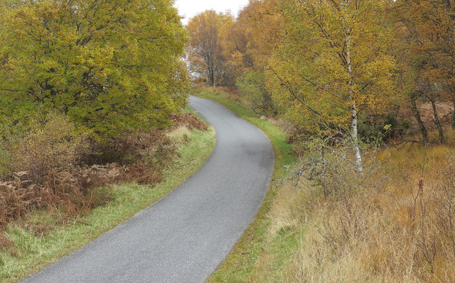 Bend of minor road on south side of Loch Rannoch