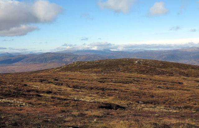 Heathery knoll west of Beinn a' Chuallaich