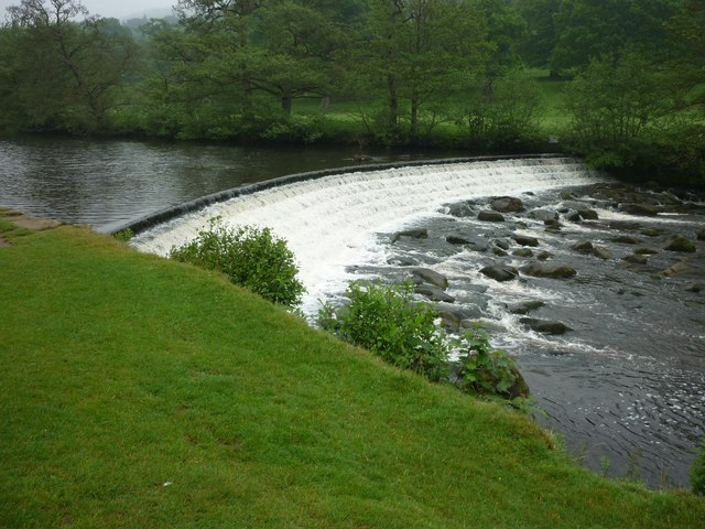 Weir across the River Derwent in Chatsworth Park