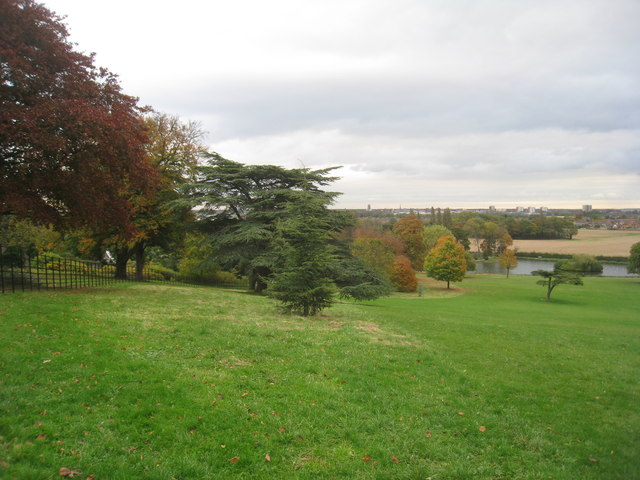Autumn at Cusworth Park