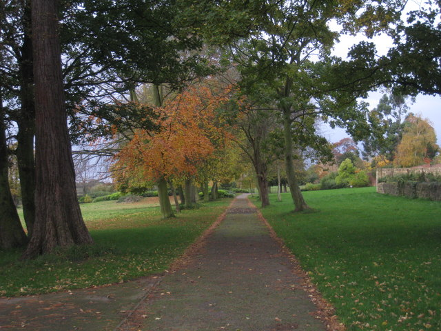 Avenue, Cusworth Park