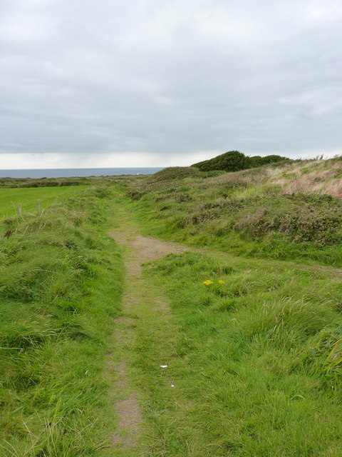Footpath from Beacon Drive towards Carn Gowla