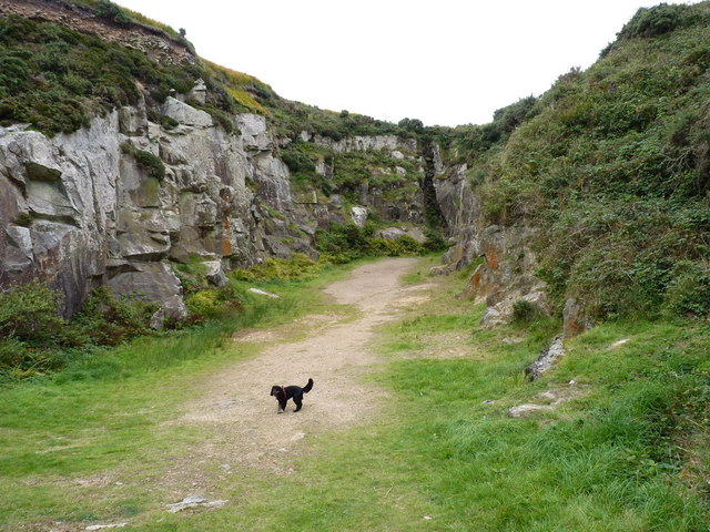 disused quarry on the flank of st agnes richard law cc by sa 2 0 geograph britain and. Black Bedroom Furniture Sets. Home Design Ideas