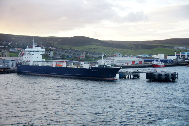 MV Hildasay at Holmsgarth pier, Lerwick