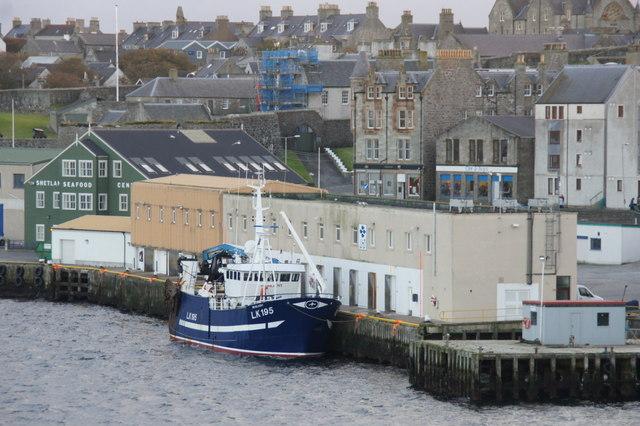 LK195 Resilient at Alexandra Wharf, Lerwick