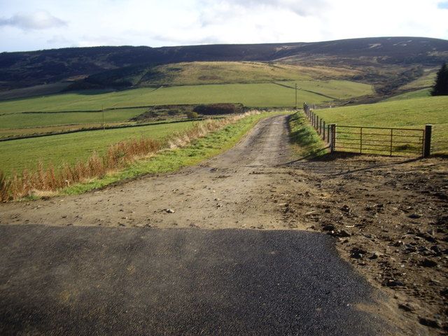 Access lane to Tillenturk Farm