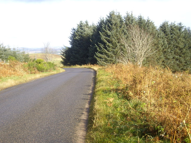 B993 at summit of Learney Hill