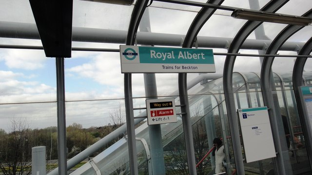 Royal Albert station