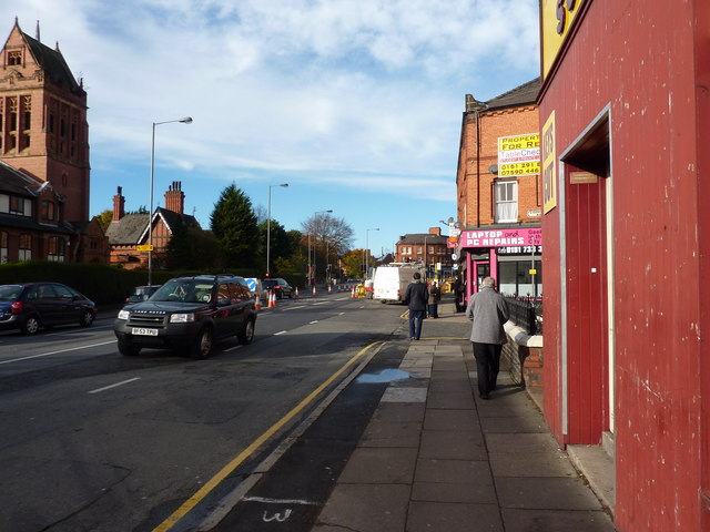 Smithdown Road, shops and traffic