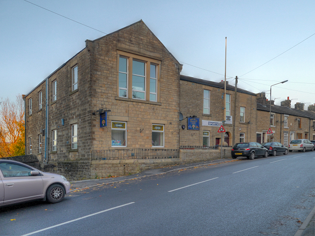 Hadfield Conservative Club