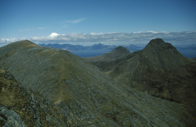 The bealach south of Ainshval