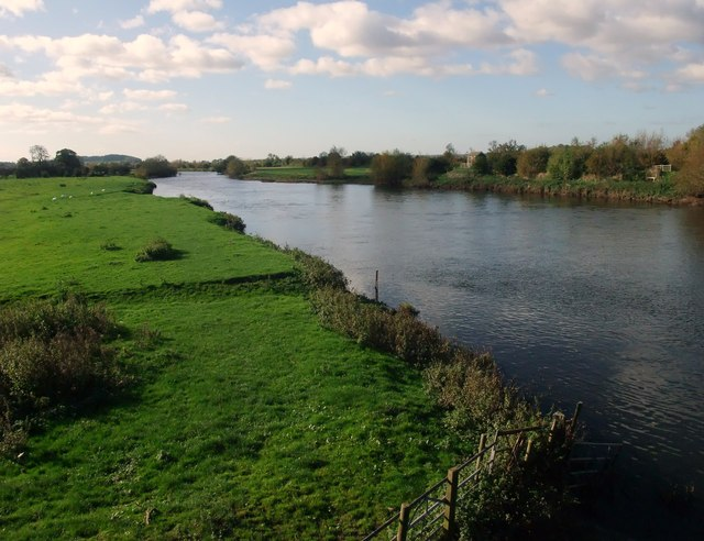 The Trent downstream of Willington Bridge